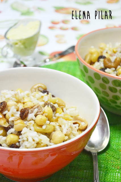 Ensalada de arroz con garbanzos y frutos secos