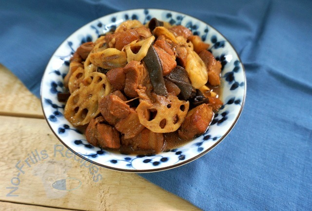 Braised Pork Belly with Lotus Root  莲藕焖猪肉