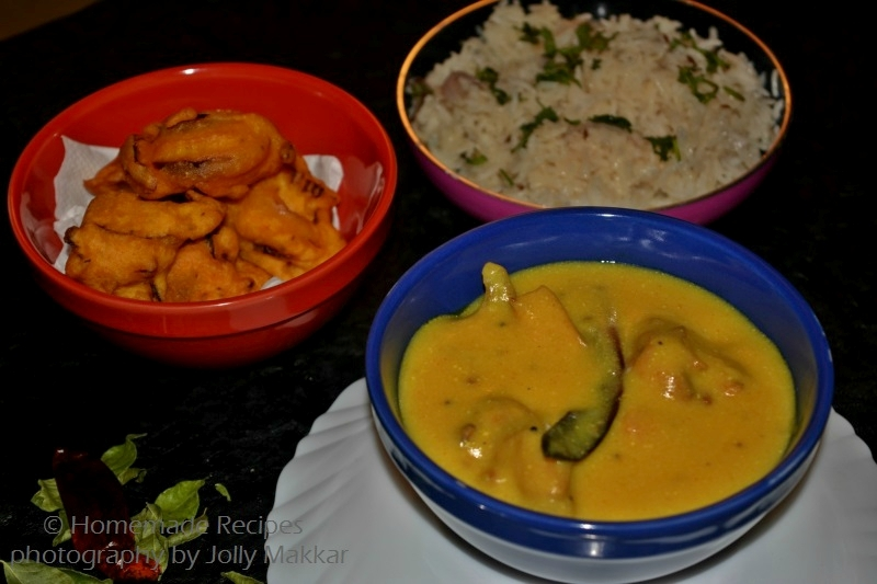 Punjabi Kadhi Pakora Recipe, How to make Kadhi Pakoda Recipe | Indian Yogurt Gramflour Curry