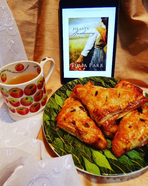 Apple turnovers + October #ReadCookEat linky