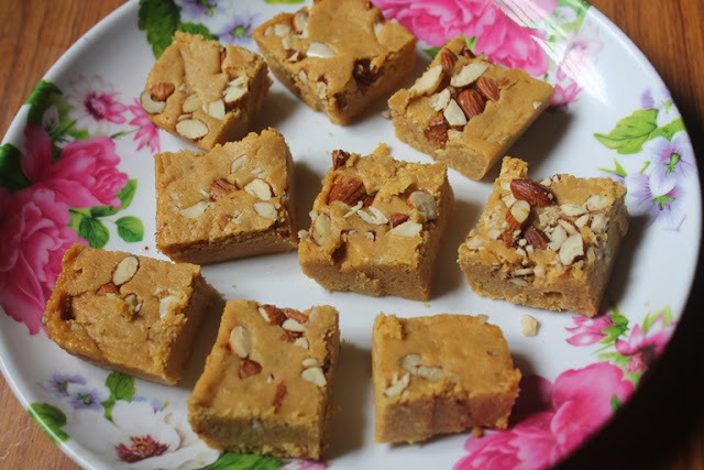 Mohanthal Recipe - Gram Flour Fudge Recipe