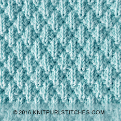 Stockinette and Moss Diamonds - knitting in the round