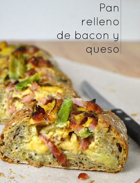 Pan relleno de bacon y queso