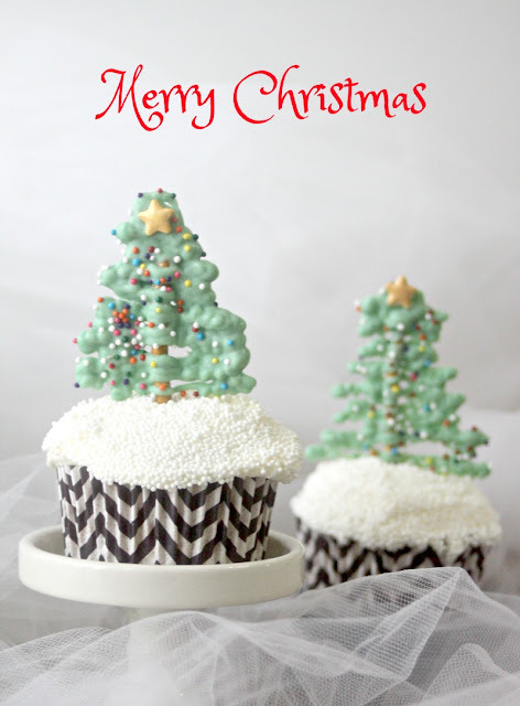 Chocolate Pretzel Christmas Tree Cupcakes