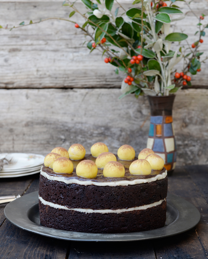 Chocolate Simnel cake / Bolo Simnel de chocolate.
