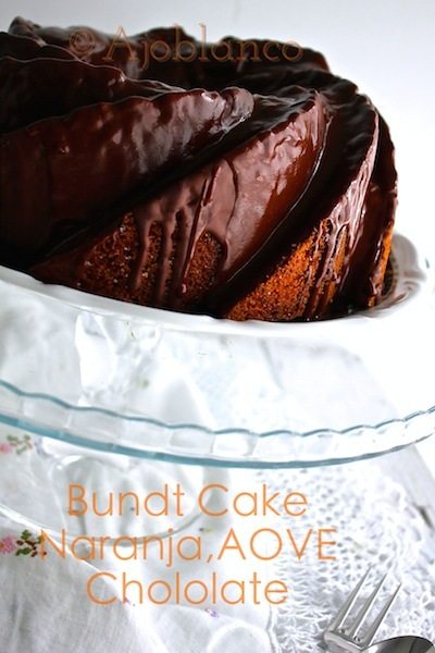 Bundt Cake de Naranja, AOVE y Chocolate para #NationalBundtDay