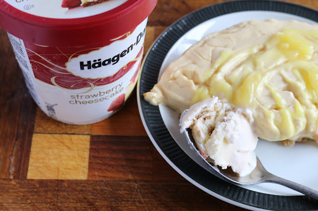 No bake lemon and ginger cheesecake with Häagen-Dazs ice cream