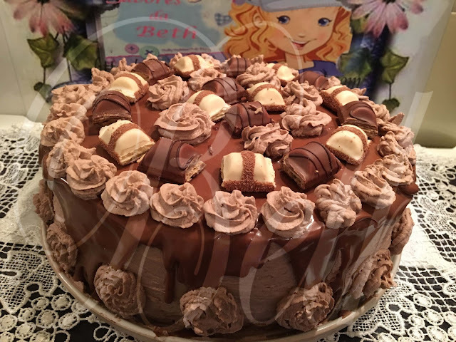 Layer Cake aux Kinder Bueno / Layer Cake de Kinder Bueno