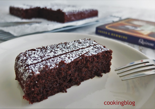Bolo de chocolate e quinoa | Moist chocolate and quinoa cake
