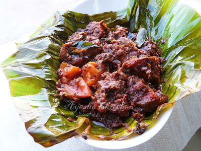 CHICKEN RECIPES - CHICKEN POLLICHATHU / CHICKEN COOKED IN BANANA LEAF