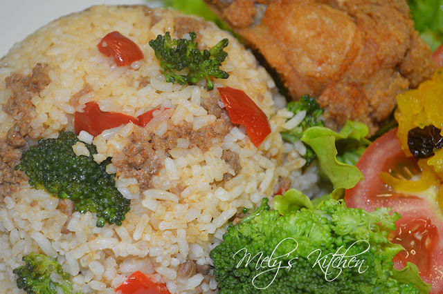 Fried Rice with Minced Beef and Broccoli