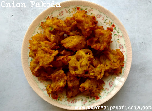 Onion Pakoda Recipe | How to Make Onion Pakora | Pyaaz ke Pakode