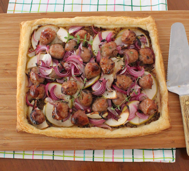 Sausage Apple Onion Tart #FridayPieDay
