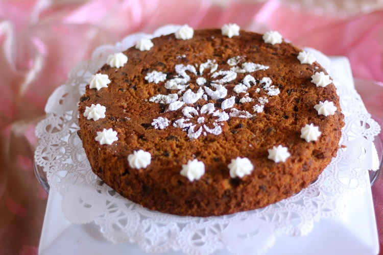 Luxurious Plum Cake and a Happy New Year !