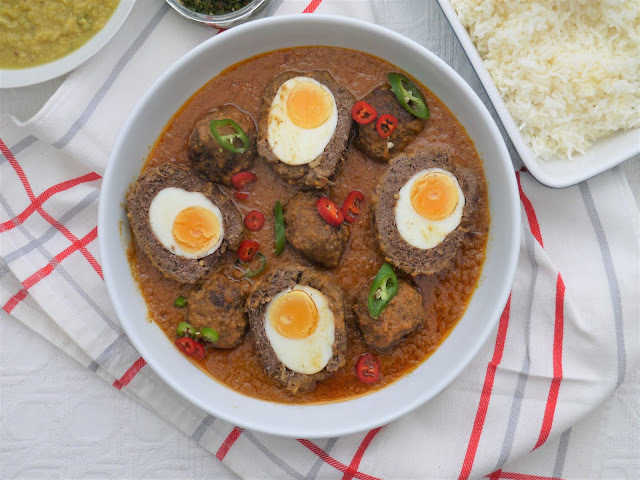 Nargisi Kofta Curry.