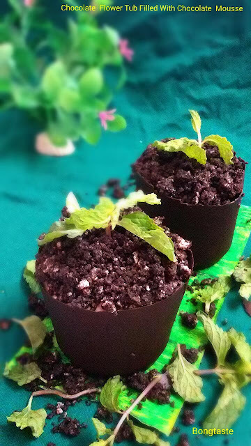 Chocolate  Flower  Tub filled  with Eggless Chocolate  Mousse  and Crushed  Oreo Biscuit