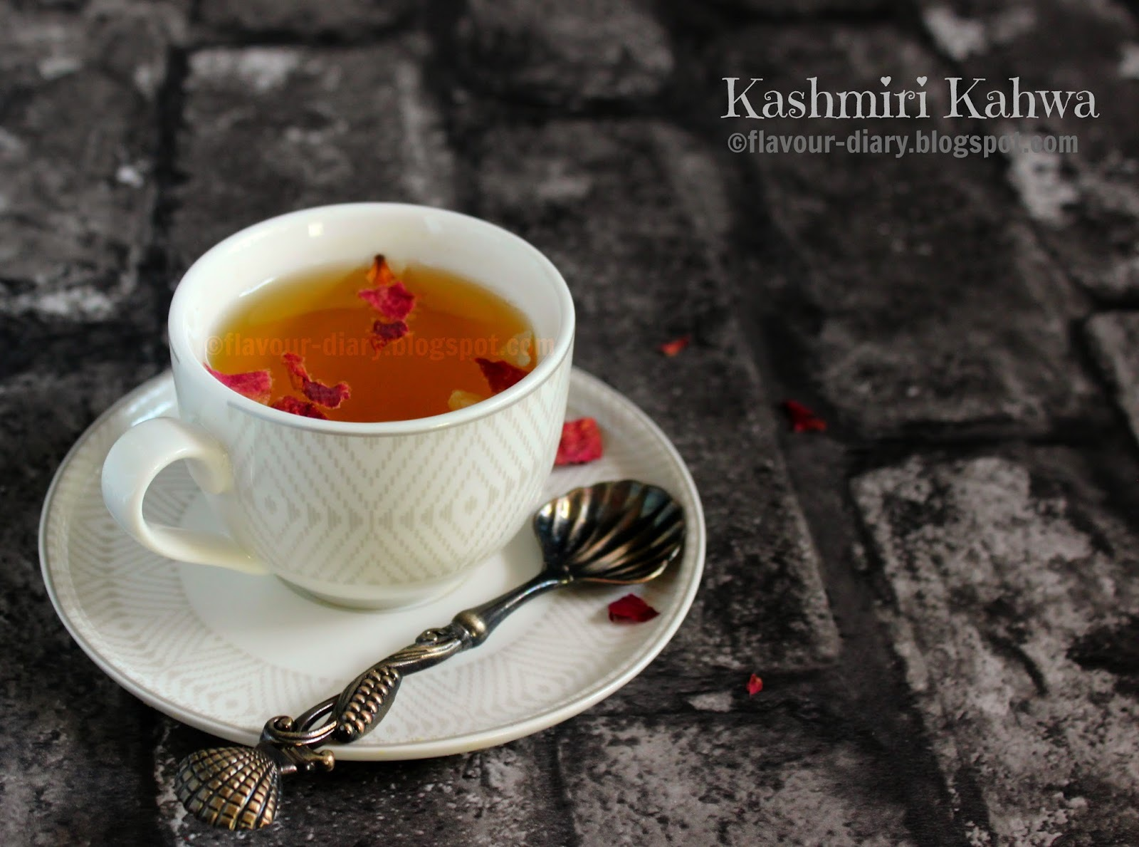 Kashmiri Kong Kahwa Tea Recipe| Kashmiri Cuisine | Weight loss Recipe | Indian Beverage | Flavour Diary