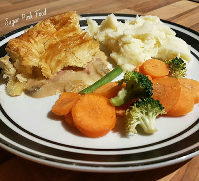 Slimming World Friendly: Creamy Chicken & Smoky Bacon Pie