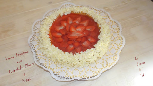 Tarta Requeson con Chocolate Blanco y Fresas