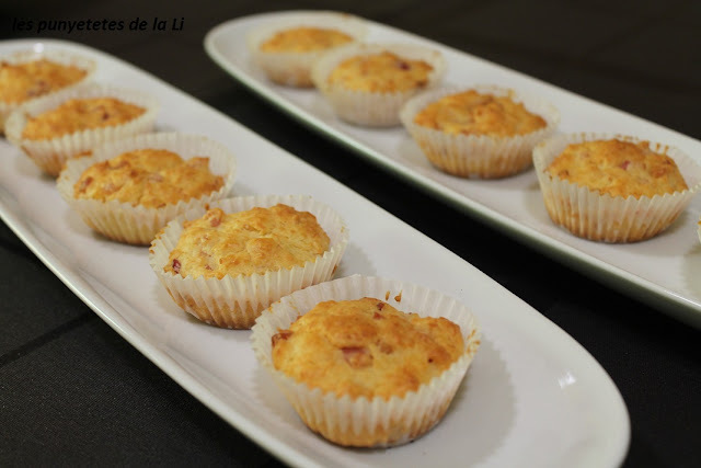 MAGDALENAS CON BACON Y QUESO (thermomix)