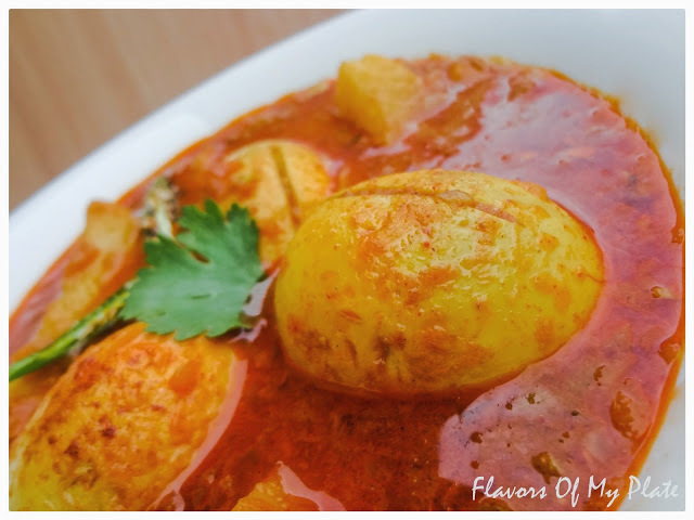 Garlicky Egg Curry....A simple recipe to satisfy any Garlic-a-holic