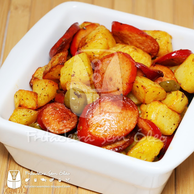 Salsichas com Batatas / Sausage and Potatoes na AirFryer