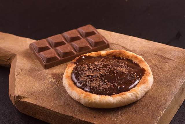 Pizza de Chocolate – Avelã, Gotas de Chocolate e Massa Tradicional