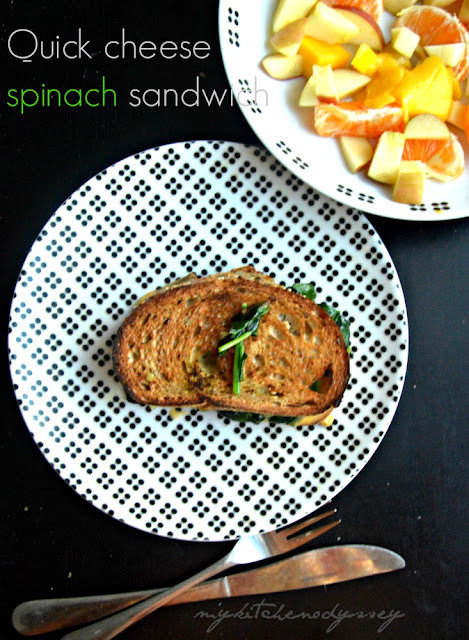 Cheese Spinach Sandwich Recipe | Kids Snack Under 5 Minutes | Step by Step Pics
