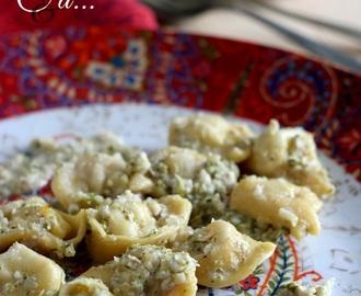 tortellini con crema al gorgonzola noci e broccoletti