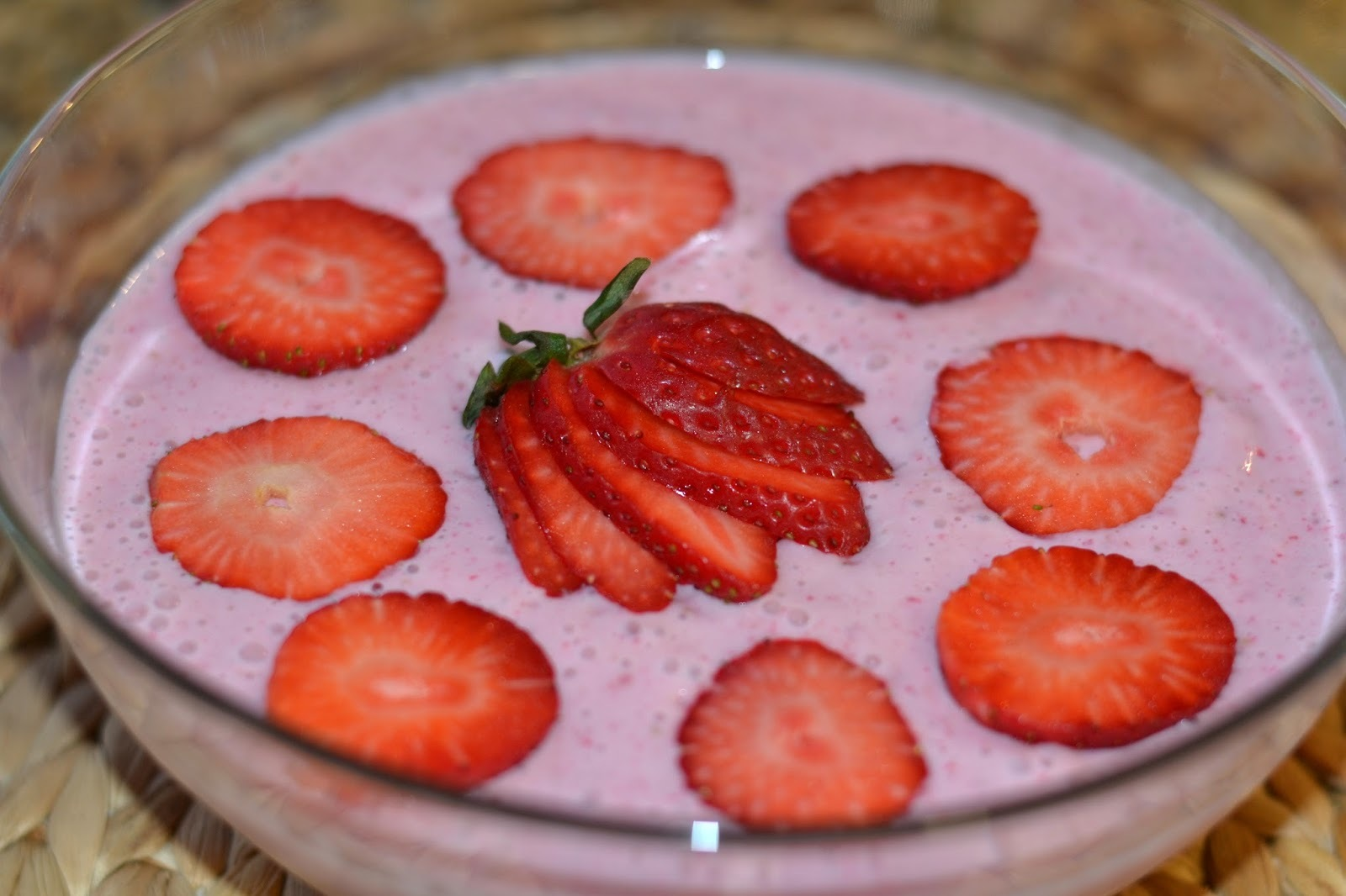 Mousse de Morango [Strawberry Mousse]