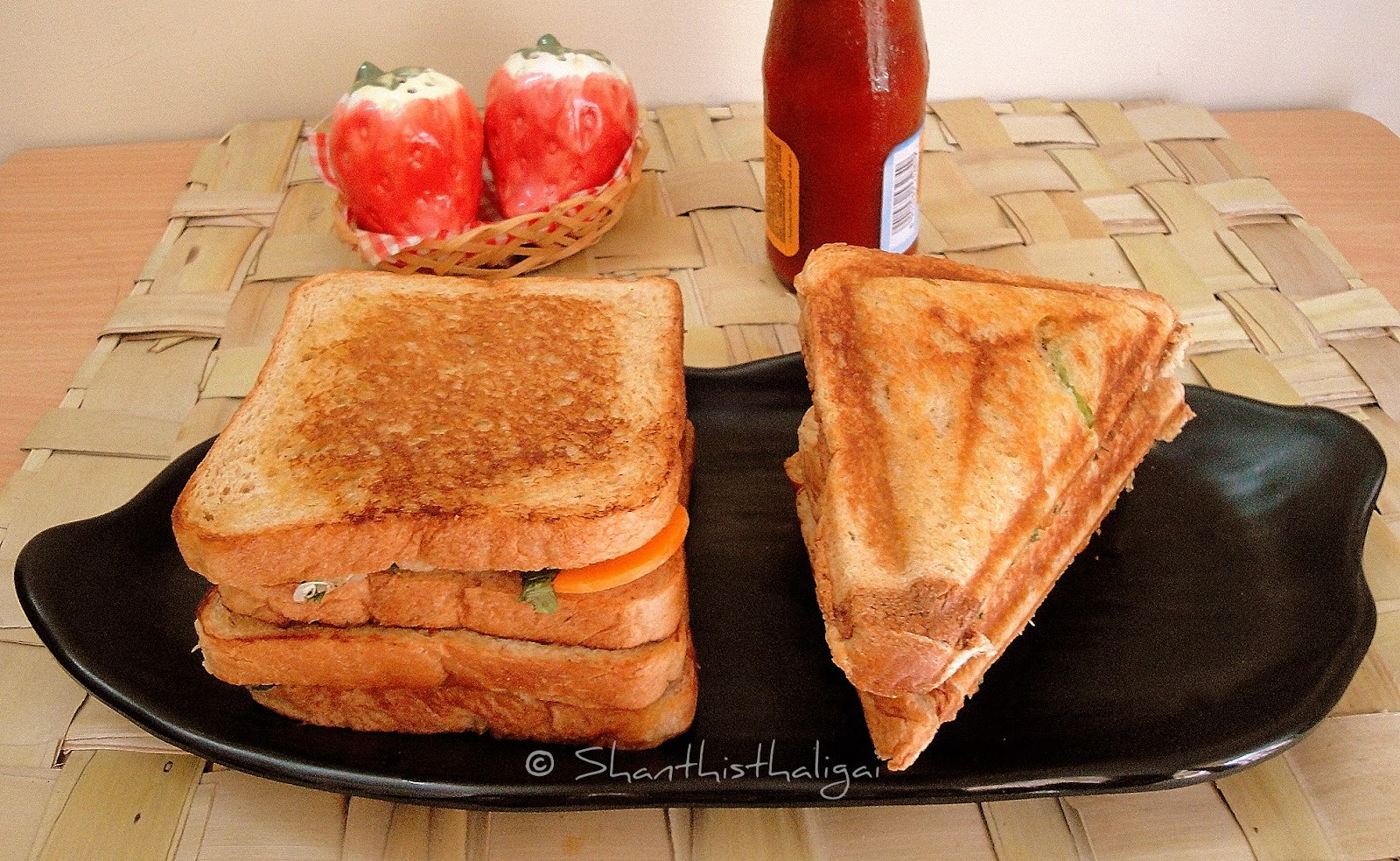 QUINOA AND SWEET POTATO SANDWICH TOAST / QUINOA AND SWEET POTATO TOASTED SANDWICH / QUINOA SANDWICH TOAST / QUINOA TOASTED SANDWICH