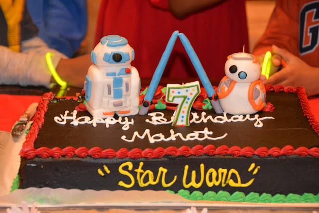 R2D2 AND BB8 Fondant cake toppers