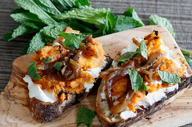Roasted Sweet Potato Crostini with Caramelized Onions and Ricotta