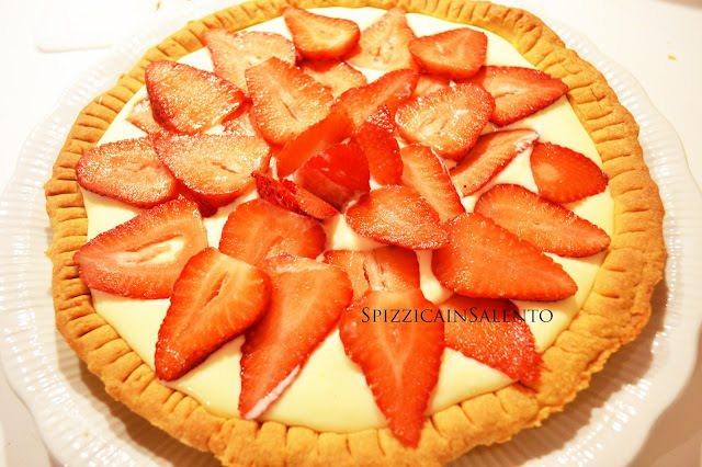 Crostata con Crema Chantilly e Fragole
