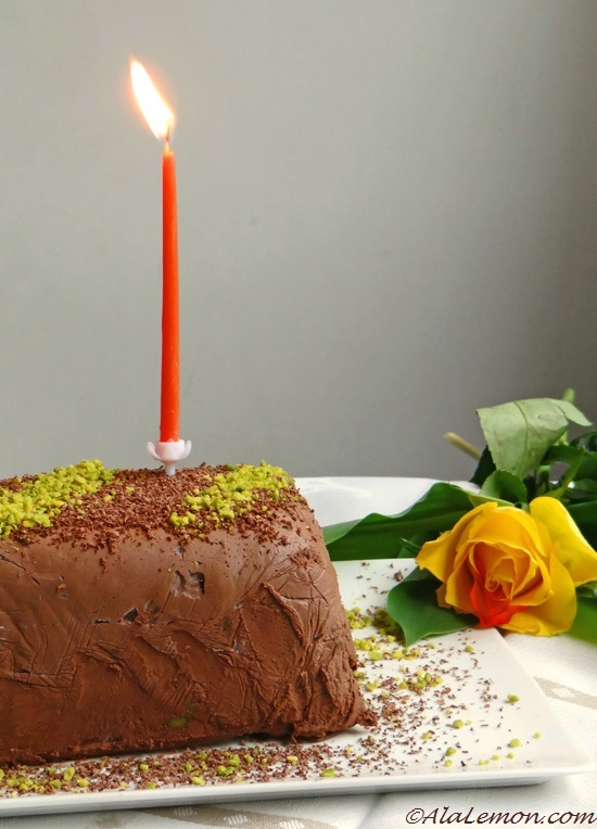 Blog anniversary and Gordon Ramsay's chocolate and pistachio semifreddo