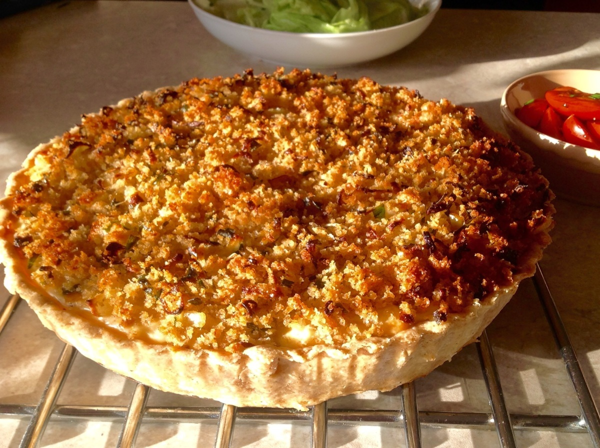 Roasted cauliflower cheese tart