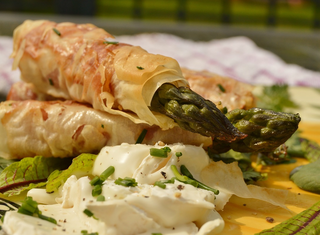 Asparagus wrapped in phyllo dough: Secret Recipe Club
