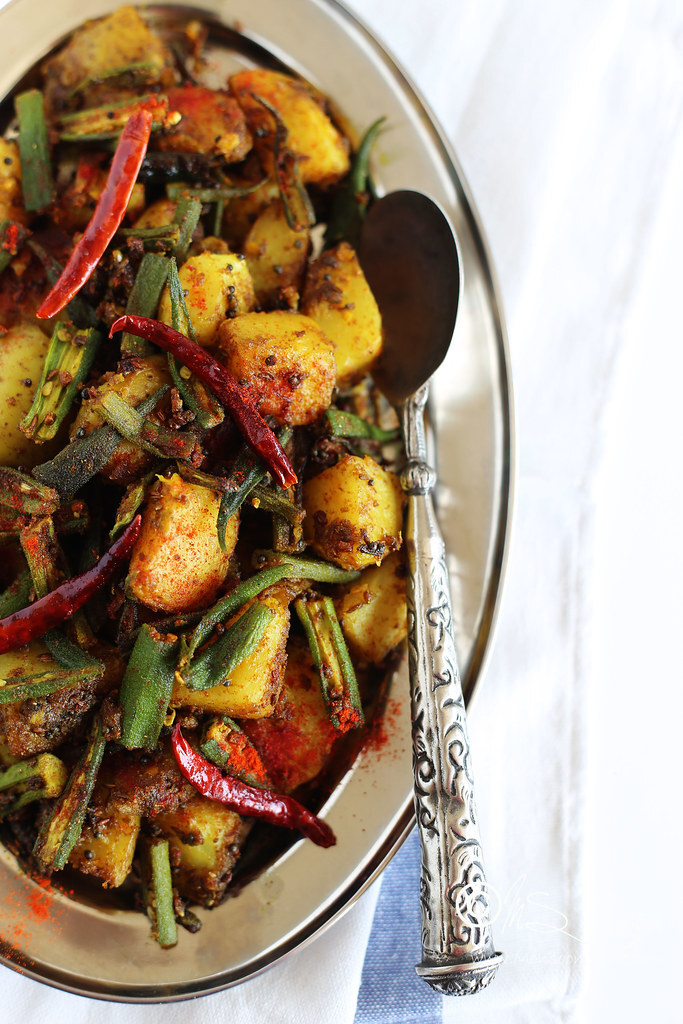 Sukhi Aloo Bhindi Recipe | Simple and Quick Aloo Bhindi Fry Recipe