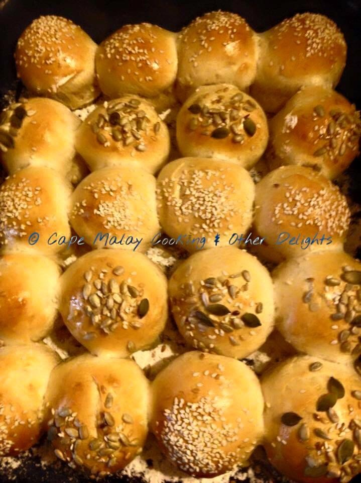 Cocktail Bread Rolls