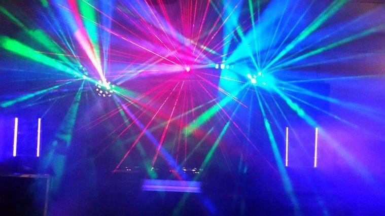 Erfarna DJ:s till fest,företagsevent,bröllop