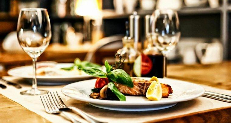 Restaurang bar nattklubb bästa AAA-läget