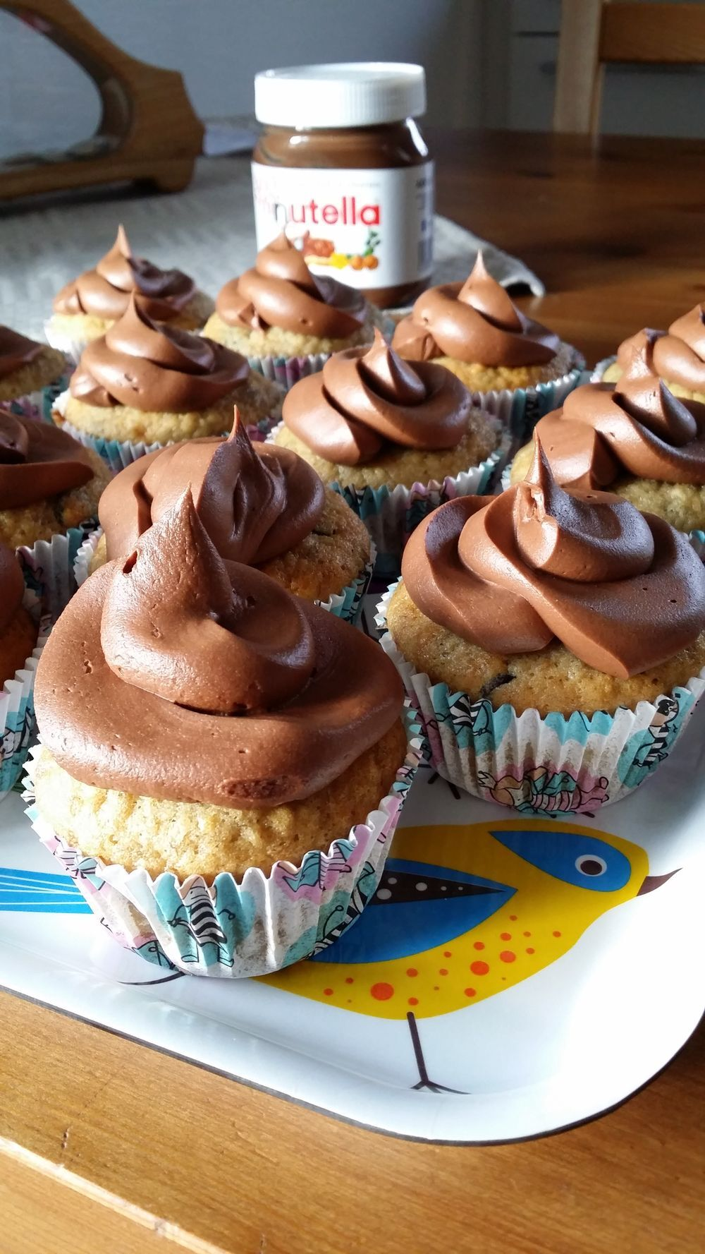 Banana chocolate chip cupcakes med nutella