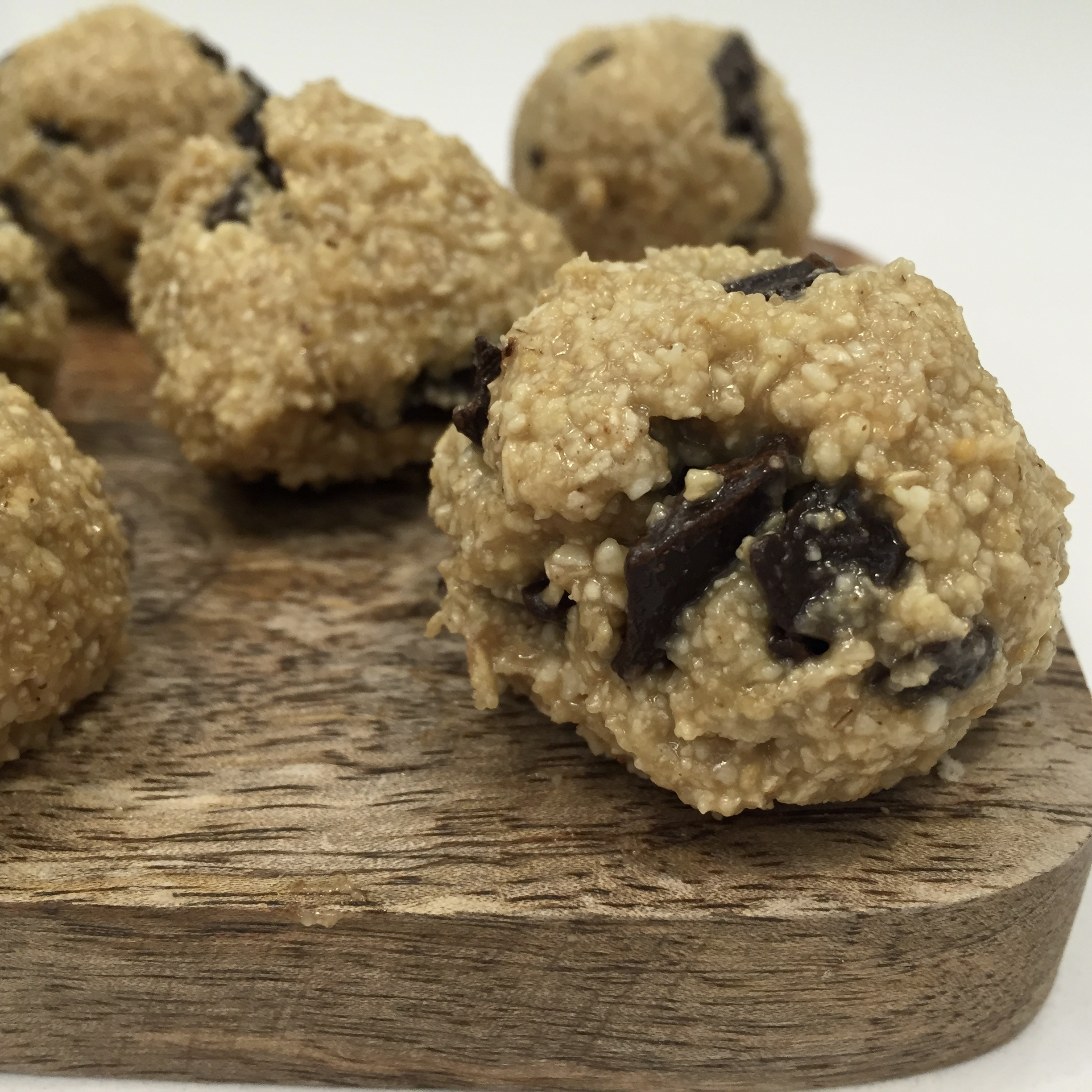 Snack Hacks: Most Amazing Vegan Cookie Dough Truffles