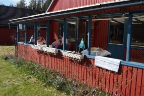 Bekvämt semesterboende på landet. Villa för fritidsboende i Högfors nära Kopparberg uthyres.