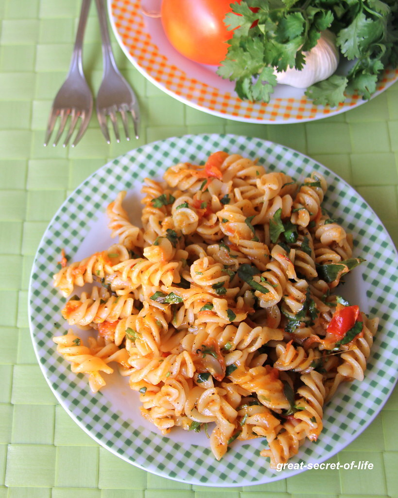 Margherita Pasta - Simple tomato pasta recipe