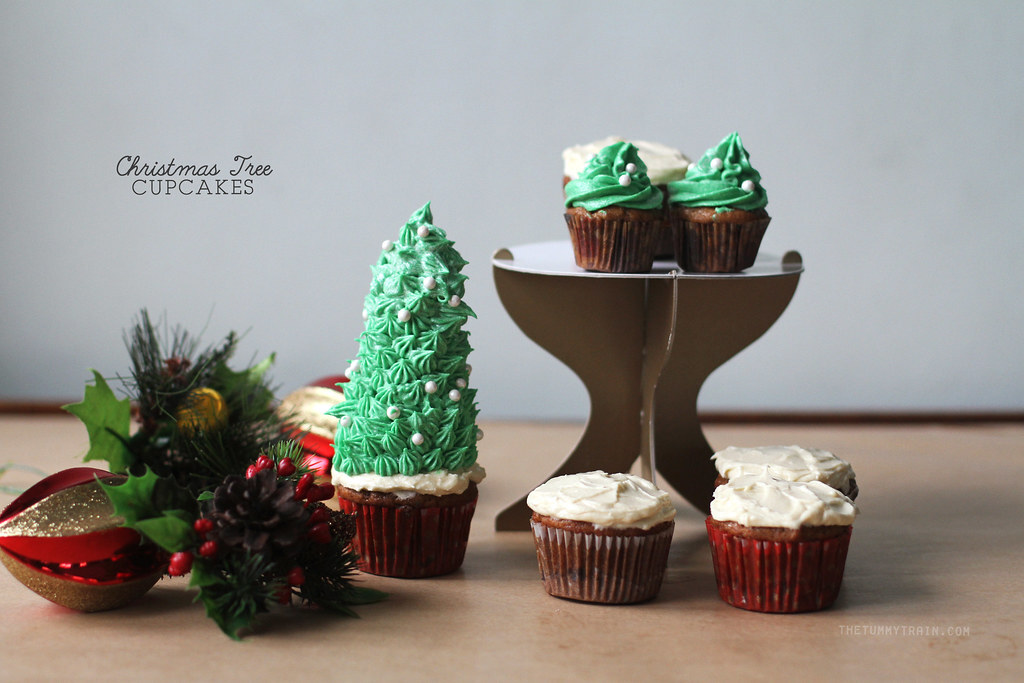 My most festive cupcakes yet to wish you all good cheer!