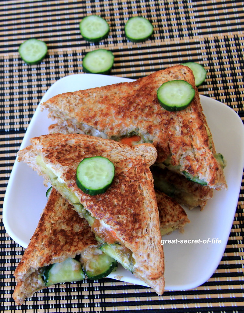 Grilled Bombay vegetable sandwich recipe - Bombay Veg Sandwich recipe - Simple bread sandwich recipe