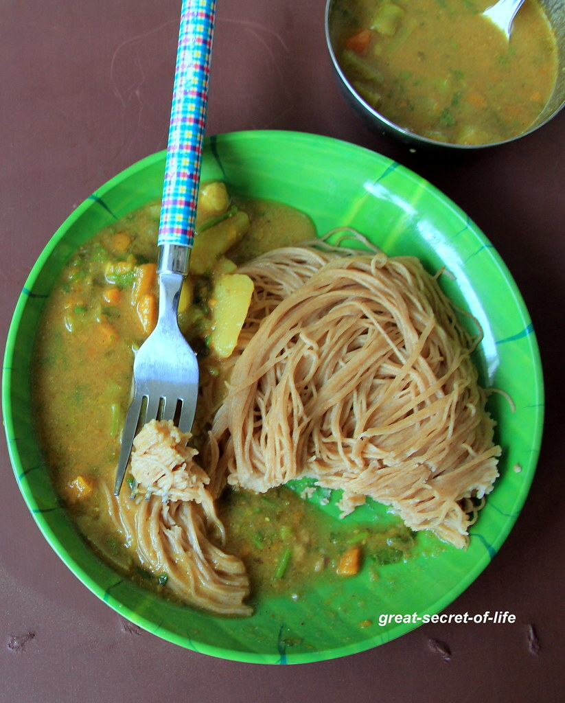 Wheat Idiyappam - wheat flour string hoppers - Healthy breakfast recipe