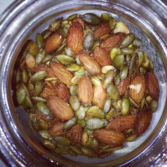 Chilisalted pumpkin seeds and almonds