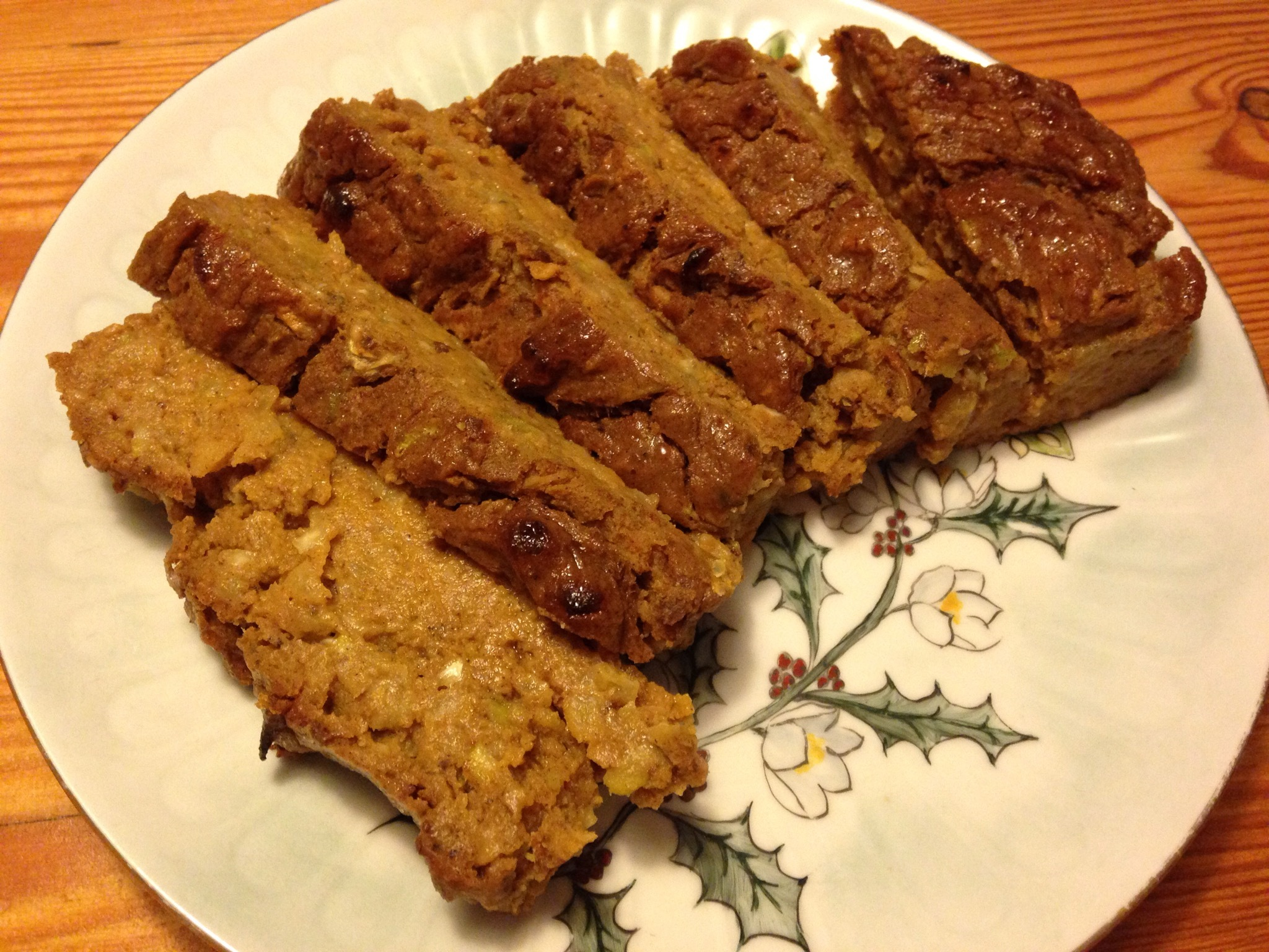 Pumpkin Cake with Zuccini & Apple